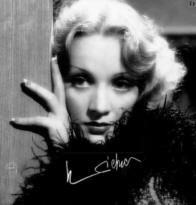 Marlene_Dietrich_2A